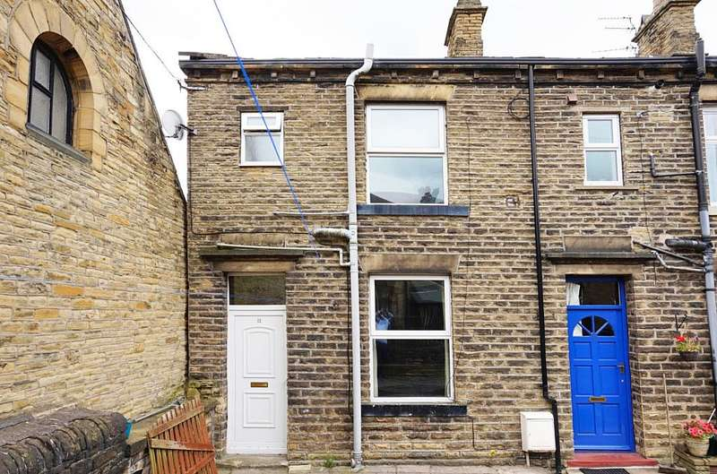 1 Bedroom Terraced House for sale in East Mount Place, Brighouse, West Yorkshire, HD6 2BW