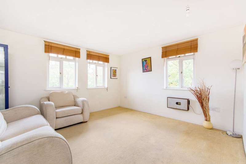 2 Bedrooms Flat for sale in Eardley Road, Streatham Park, SW16