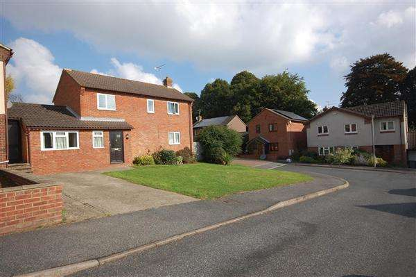 6 Bedrooms Detached House for rent in Cedar View, Canterbury