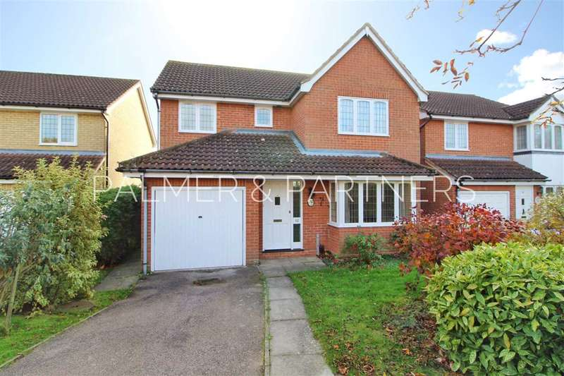 4 Bedrooms Detached House for sale in Wryneck Close, Colchester