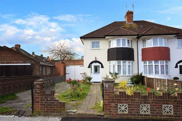 3 Bedrooms Semi Detached House for sale in Ash Grove, WEMBLEY, Middlesex
