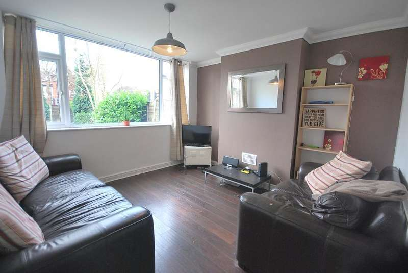5 Bedrooms Semi Detached House for rent in Parrs Wood Rd, Fallowfield, Manchester, M20 4WJ