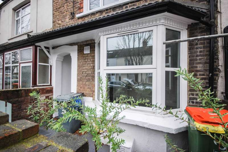 3 Bedrooms House for sale in Upton Park Road, Forest Gate