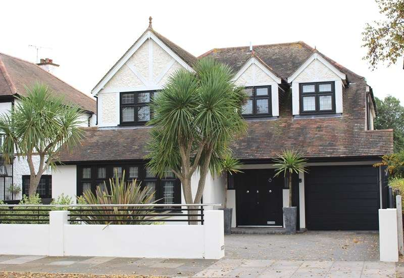 5 Bedrooms Detached House for sale in Burges Estate, Thorpe Bay