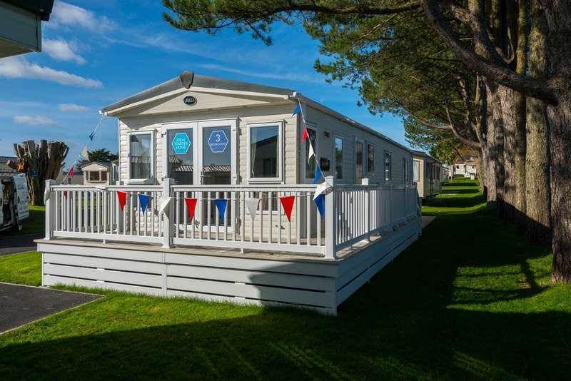 3 Bedrooms Caravan Mobile Home for sale in Brixham, Devon