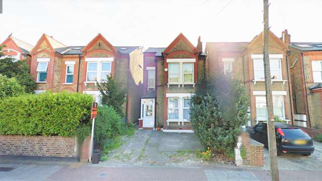5 Bedrooms Detached House for sale in Eardley Road, Streatham, London, SW16