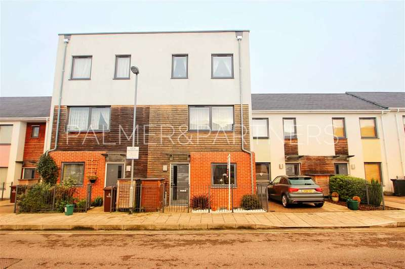 4 Bedrooms Terraced House for sale in Kettle Street, Colchester