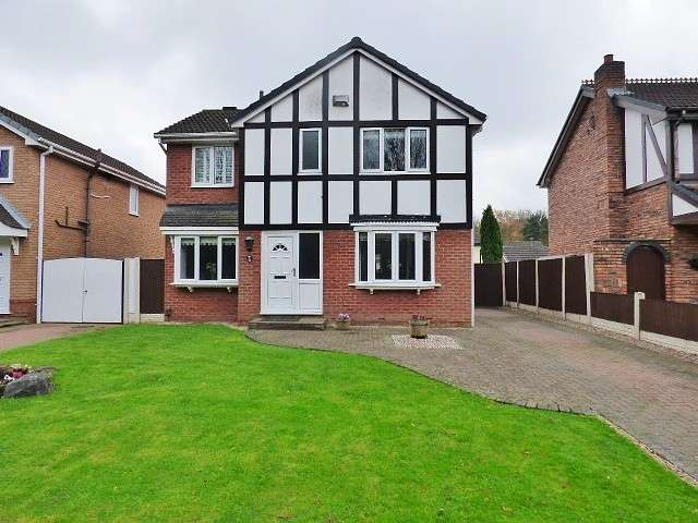 4 Bedrooms Detached House for sale in Ladywood Road, Old Hall, Warrington