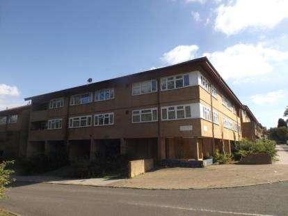 1 Bedroom Flat for sale in Conniburrow Boulevard, Conniburrow, Milton Keynes, Buckinghamshire