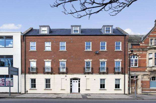 2 Bedrooms Flat for sale in Ambrose Street, CHELTENHAM, Gloucestershire, GL50 3LG
