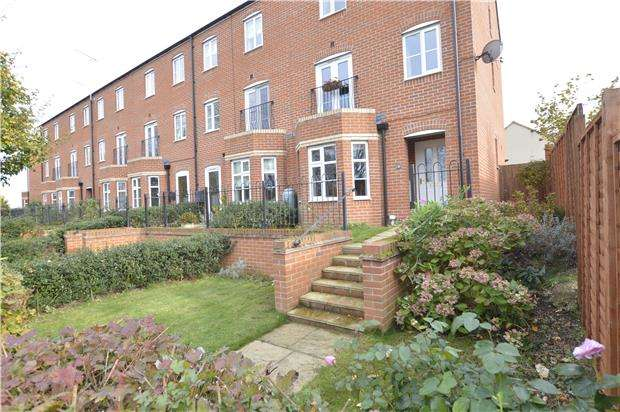 3 Bedrooms End Of Terrace House for sale in Melrose Walk, TEWKESBURY, Gloucestershire, GL20 5FW