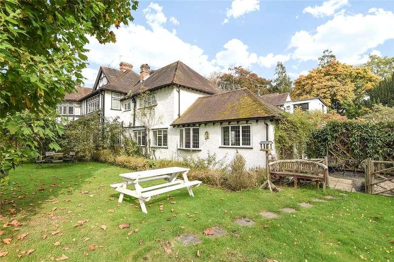 4 Bedrooms House for sale in Fircroft Court, Gerrards Cross Road, Stoke Poges, Buckinghamshire, SL2