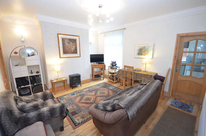 2 Bedrooms Terraced House for sale in Lynwood Avenue, Darwen