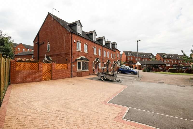 4 Bedrooms Town House for sale in Saffron Court, Barnsley, South Yorkshire, S73