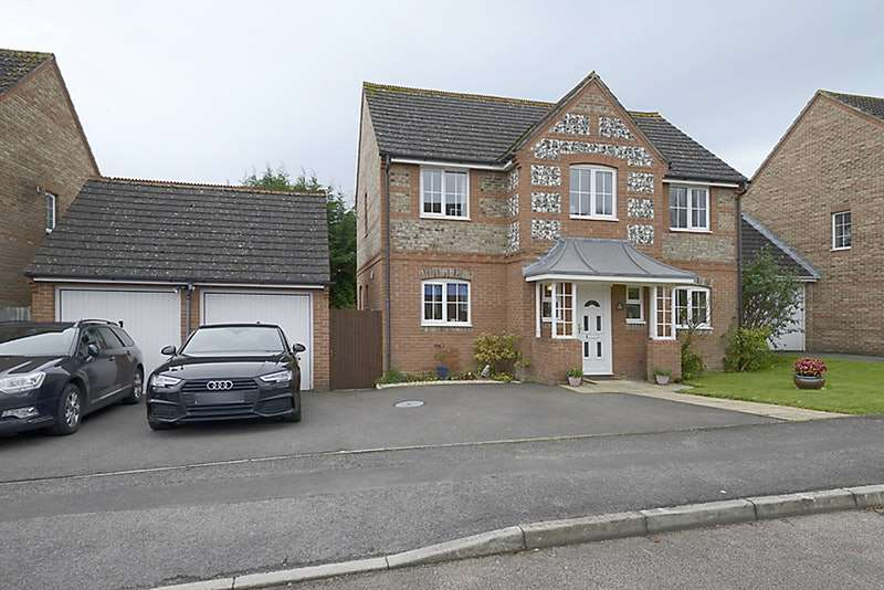 4 Bedrooms Detached House for sale in Cowslip Crescent, Thatcham, Berkshire, RG18