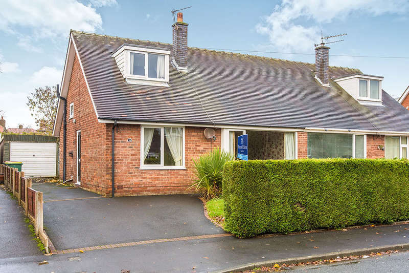 3 Bedrooms Semi Detached Bungalow for sale in Hawthorn Crescent, Lea, Preston, PR2