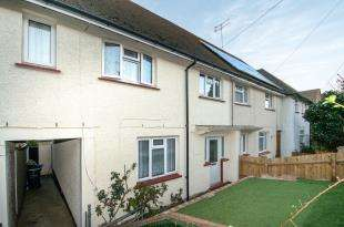 4 Bedrooms Terraced House for sale in Truro Road, Gravesend, Kent