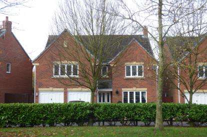 5 Bedrooms Detached House for sale in Bucklow Gardens, Lymm, Cheshire