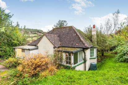 2 Bedrooms Bungalow for sale in Axmouth, Seaton, Devon