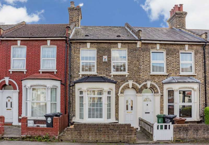 3 Bedrooms House for sale in Etchingham Road, Leyton, E15