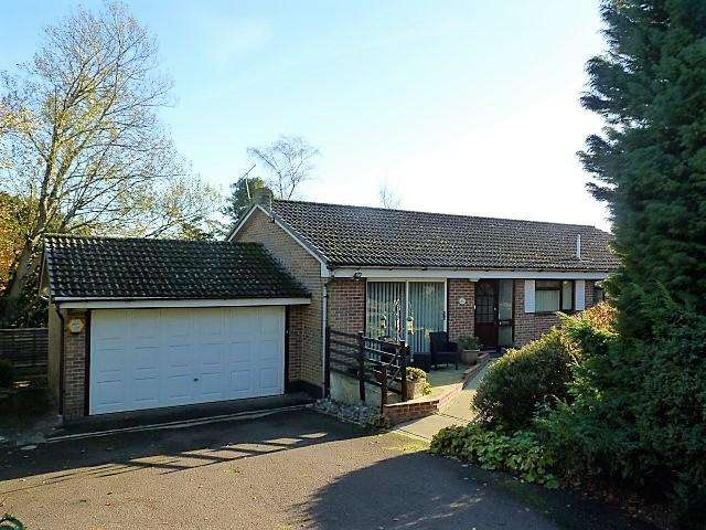 3 Bedrooms Detached House for sale in Mill Road, Heathfield, East Sussex, TN21 0XD