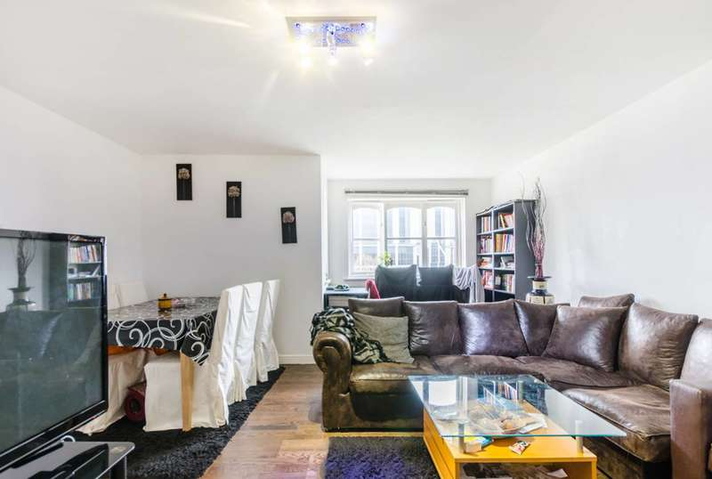 2 Bedrooms Flat for sale in Wheat Sheaf Close, Isle Of Dogs, E14