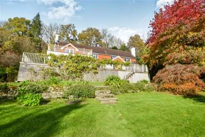 4 Bedrooms House for rent in Quell Lane, Haslemere, GU27