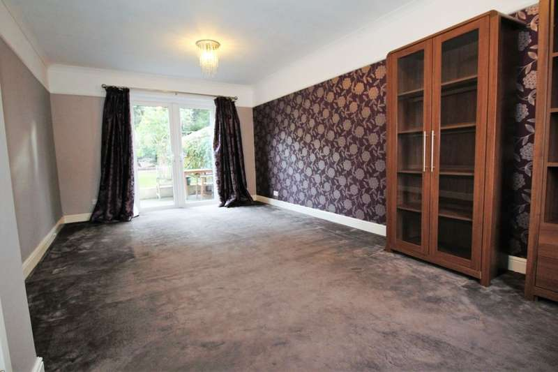 3 Bedrooms Property for sale in Almond Way, Bromley, BR2