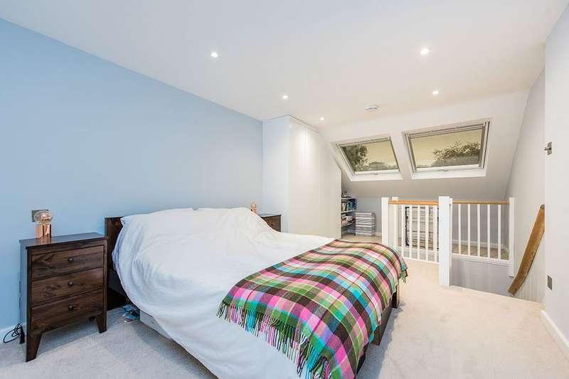3 Bedrooms Property for sale in Albert Road, Twickenham, TW1