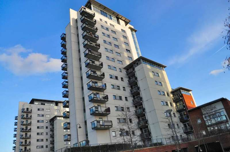 2 Bedrooms Apartment Flat for sale in Tideslea Tower, Thamesmead West, SE28 0GF