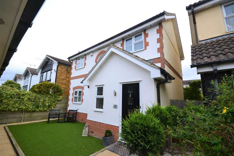3 Bedrooms Detached House for sale in Crouchman Close, North Grays