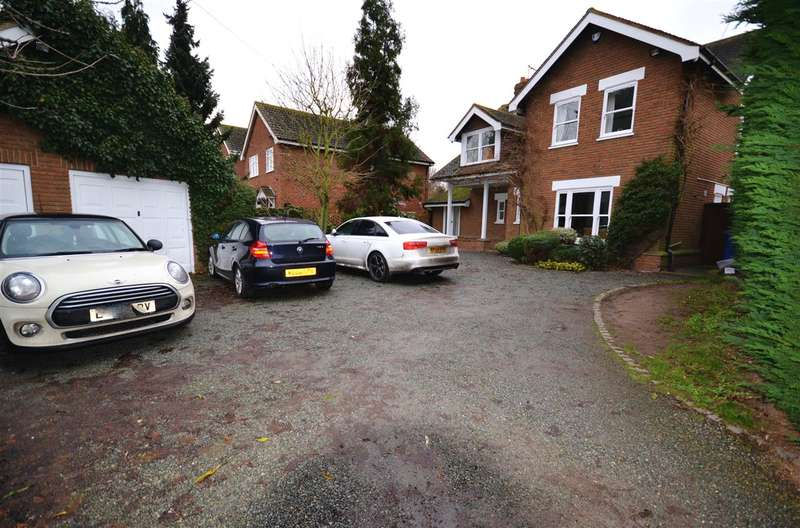 4 Bedrooms Detached House for sale in Heath Road, Orsett Heath