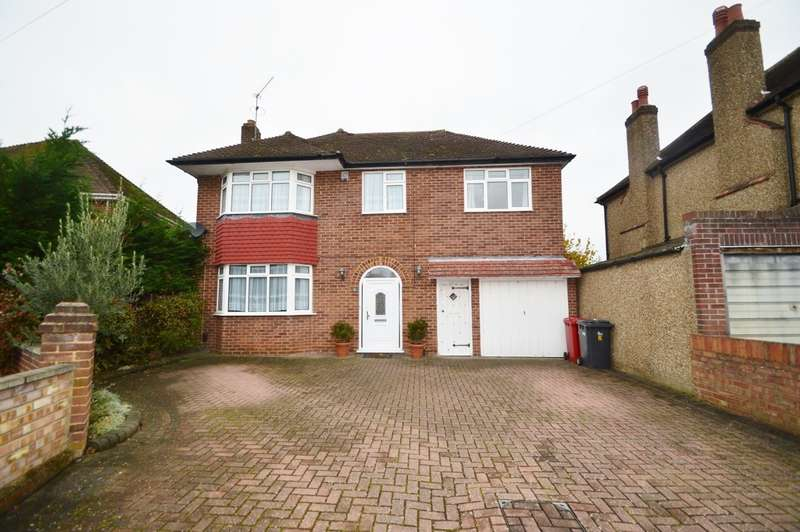 4 Bedrooms Detached House for sale in Wheatlands Road, Langley, SL3
