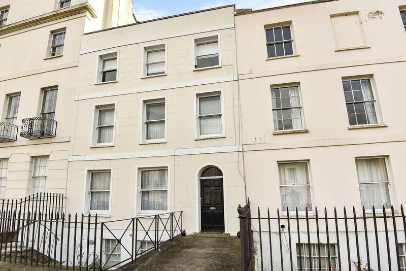 1 Bedroom Flat for sale in Hewlett Road, Cheltenham