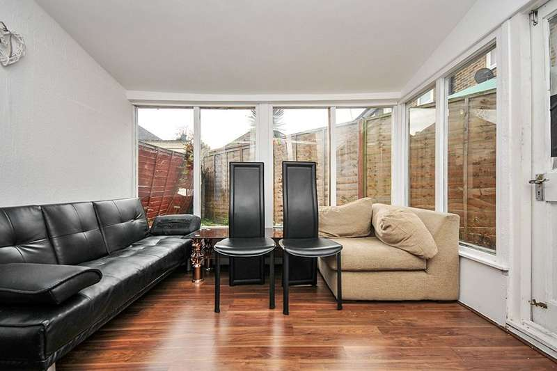 3 Bedrooms Property for sale in Brookehowse Road, London, SE6