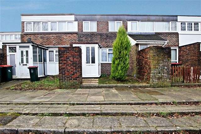 3 Bedrooms Terraced House for sale in Broadfield, Crawley