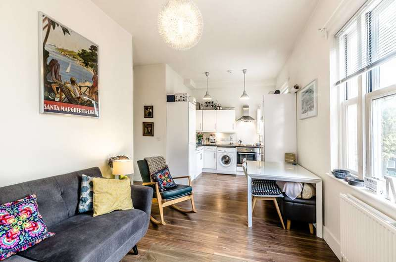 1 Bedroom Flat for sale in Lawford Road, Kentish Town, NW5