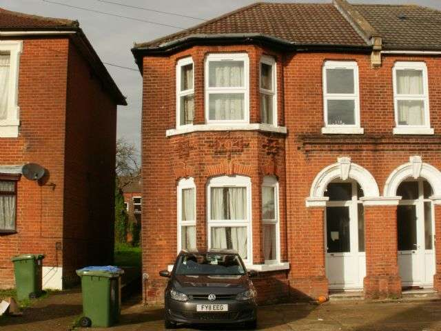7 Bedrooms Semi Detached House for rent in Alma Road, Portswood, Southampton