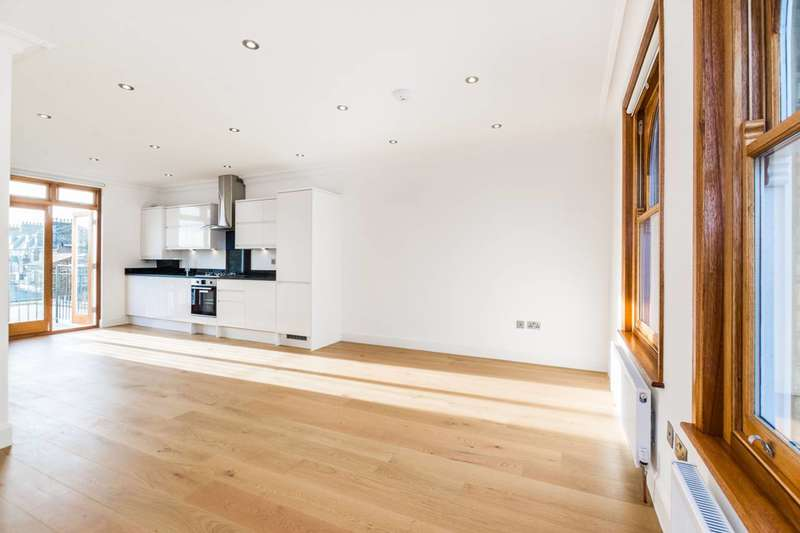 2 Bedrooms Flat for sale in Stroud Green Road, Finsbury Park, N4