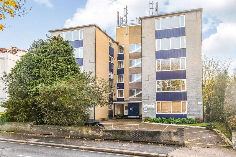 1 Bedroom Flat for sale in St. Marks Hill, Surbiton, KT6