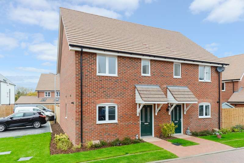 3 Bedrooms Semi Detached House for sale in Fuggles Close, Lenham Road, Headcorn, TN27