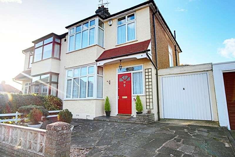 3 Bedrooms Property for sale in Hillside Crescent, Enfield