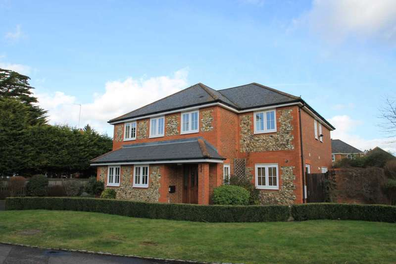 5 Bedrooms Detached House for rent in Damask Close, Tring