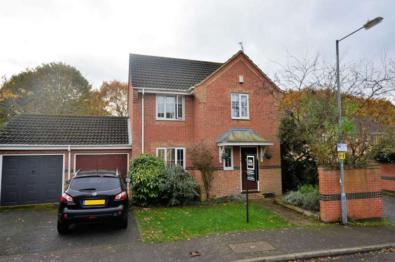 3 Bedrooms Detached House for sale in Whitesmiths Drive, Billericay