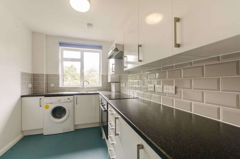 1 Bedroom Flat for sale in Upper Tulse Hill, Brixton Hill, SW2