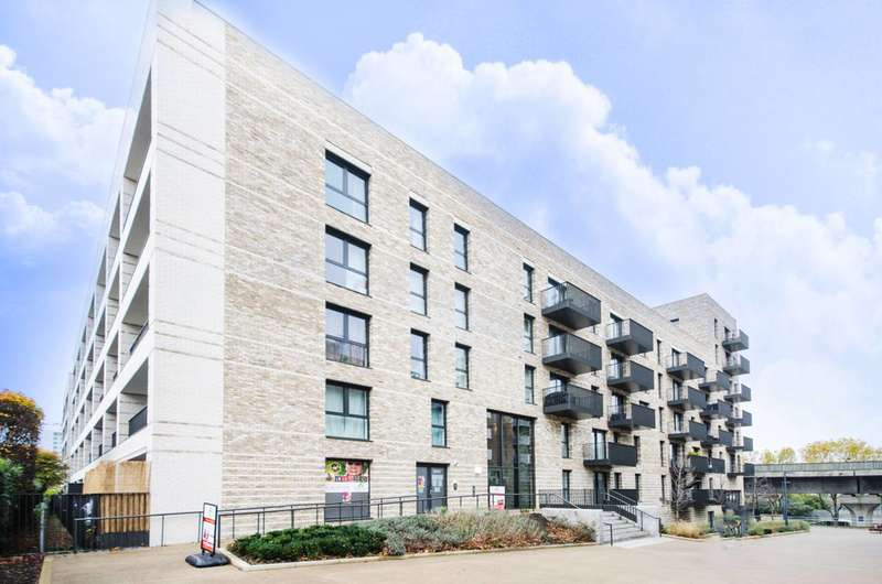 1 Bedroom Flat for sale in Bramwell Way, Silvertown, E16