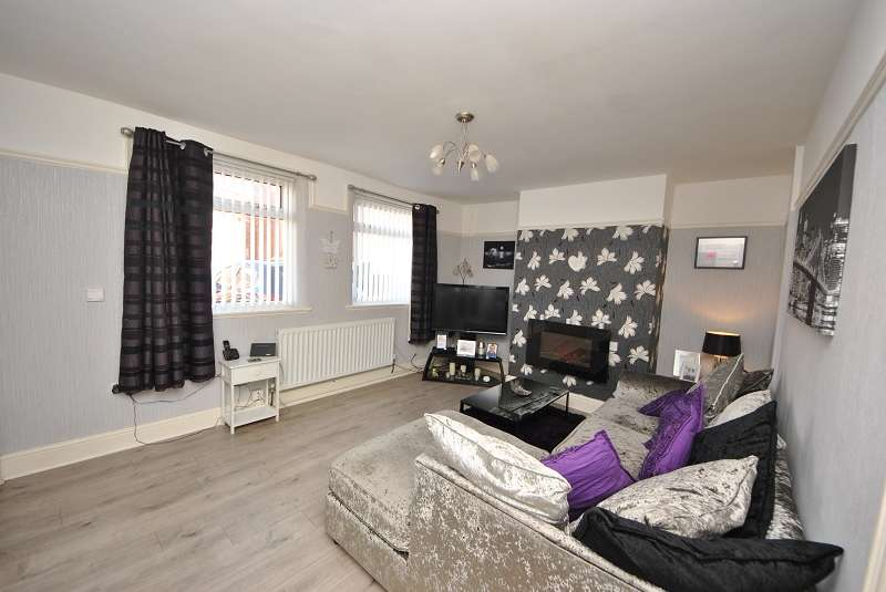 3 Bedrooms Semi Detached House for sale in Hart Street, Southport, Merseyside. PR8 6DY