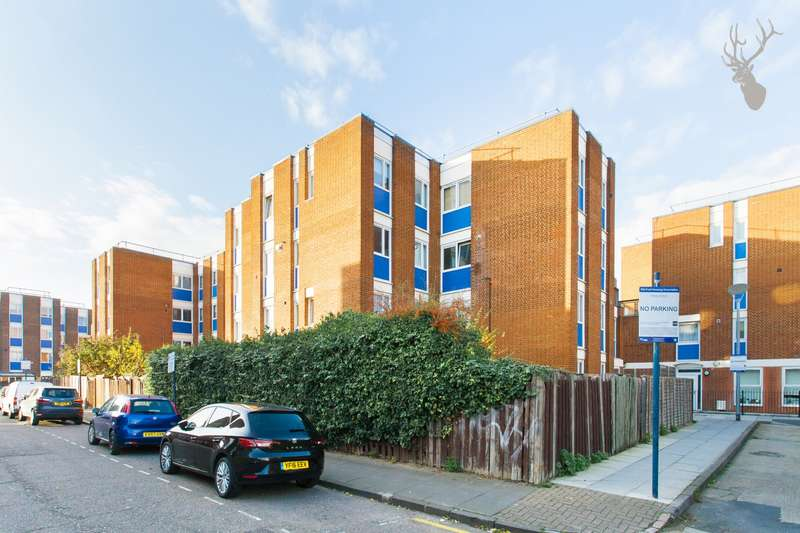 3 Bedrooms Flat for sale in Crane House, Roman Road, Bow, E3