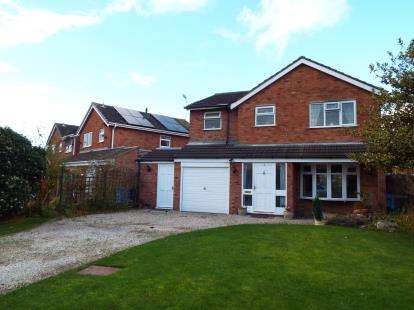 4 Bedrooms Detached House for sale in Micklewood Close, Penkridge, Staffordshire