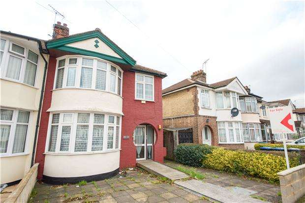 3 Bedrooms Semi Detached House for sale in Brampton Road, KINGSBURY, NW9 9DE